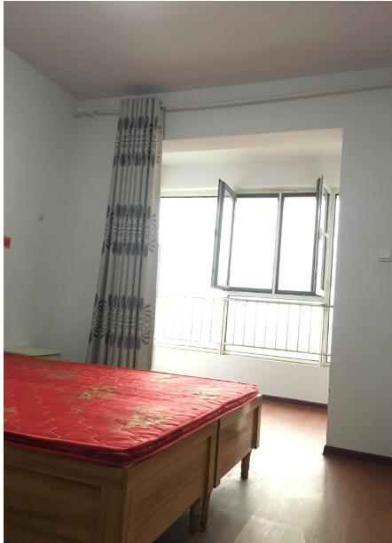 汉城华都 4室2厅2卫 20m2 租金450元/月